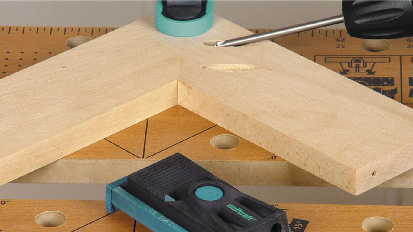 Un coffret d'outillage pour l'assemblage du bois